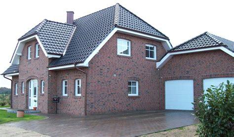 Moderne Häuser Mit Krüppelwalmdach by Referenzen
