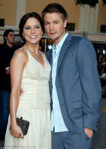 Sophia Bush and Jesse Lee Soffer have ended their romance
