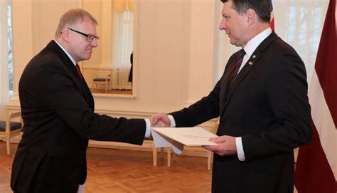 Valsts prezidents akreditē Islandes, Kolumbijas un Ganas vēstniekus   Latvijas Valsts prezidenta ...