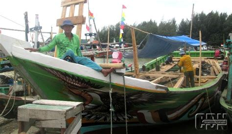 perajin kapal  tegal kesulitan cari pinjaman modal