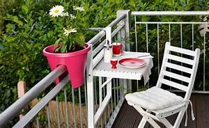 Balkon gestalten ideen und inspirationen for Markise balkon mit tapeten vorschläge für wohnzimmer