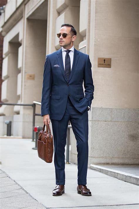 ideen wie blauer anzug braune schuhe und passende