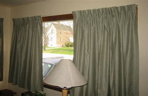 How To Hang Drapes On Traverse Rod - pleated curtains for traverse rods eyelet