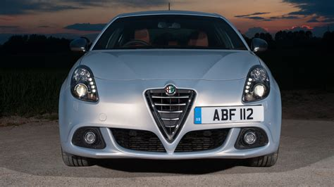 Alfa Romeo Giulietta Review (2017)