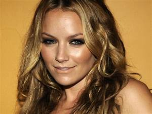 Becki Newton wallpaper | 1920x1440 | #76536