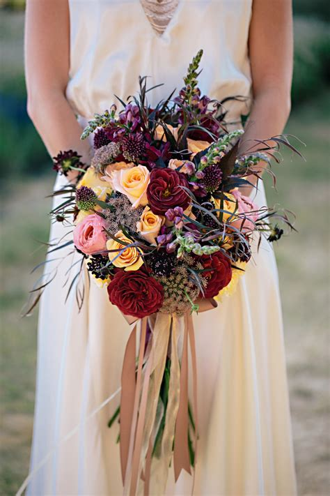 32 Of The Most Stunning Fall Bridal Bouquets Youve Ever
