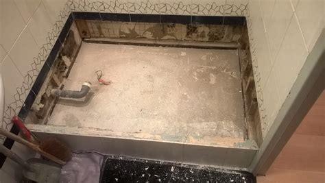 moisissure dans une chambre rénovation de salle de bain réparation des