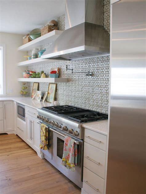 kitchen backsplashes ideas открытые полки в интерьере кухни красота и удобство