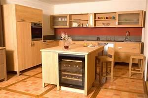 Meuble Ilot Cuisine : cuisine contemporaine bois massif design ilot cuisine design meubles rangement ~ Teatrodelosmanantiales.com Idées de Décoration