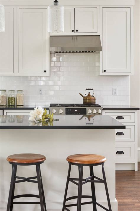 Cabinets made from the most premium hardwood. White Kitchen Cabinets With Black Hardware | Countertopsnews