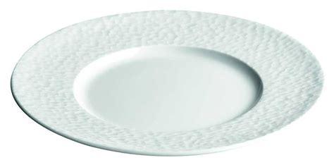 table de cuisine ronde assiette plate et ronde blanche grande aile quot aqua quot 24 5 cm par apilco porcelaine htelire