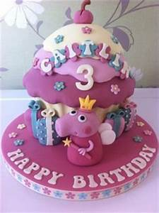 1000+ images about Giant Cupcakes on Pinterest Giant