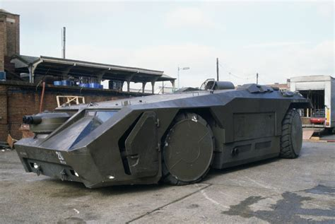 personal armored vehicles 1 72 multiverse m577 armoured personnel carrier