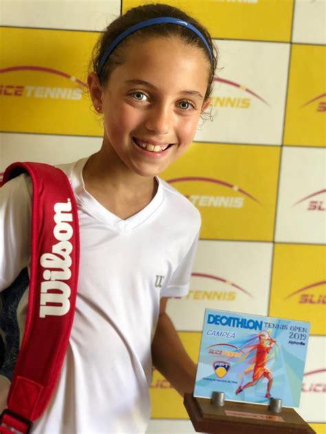 Julia Viesi conquista mais um troféu - Clube Paineiras