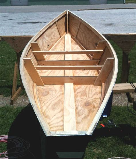 small plywood boat plans plans diy   quilt