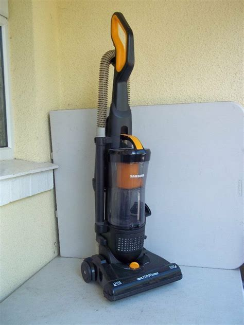 Samsung Vaccum Cleaners by Samsung Su4040 Bagless Upright Vacuum Cleaner Used
