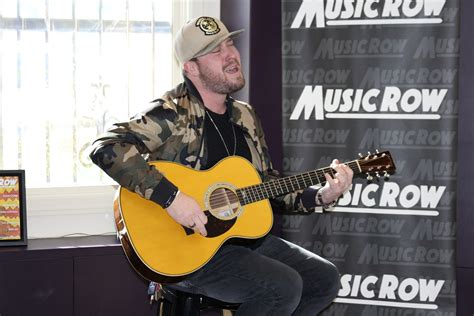Mitchell Tenpenny Talks New Label Deal With