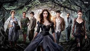 Review: Beautif... Beautiful Creatures