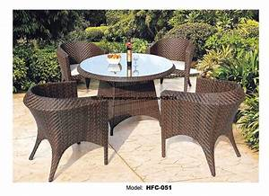 Small round outdoor garden table chair set holiday beach for Small round wicker patio set