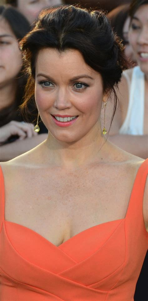 bellamy young weight height measurements bra size ethnicity