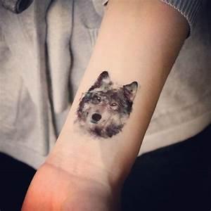 Tatouage Lune Poignet : la plume comme tatouage mod les et signification tattoo mania wolf tattoos tattoos dream ~ Melissatoandfro.com Idées de Décoration
