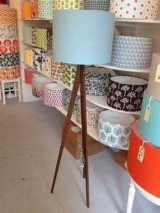 Stehlampe Weißer Schirm : die besten 17 ideen zu stehlampe wohnzimmer auf pinterest stehlampe aus holz lampen ~ Indierocktalk.com Haus und Dekorationen