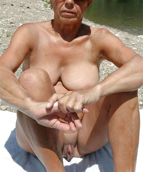 Horny Grannies This Site Dedicated To Older And Mature