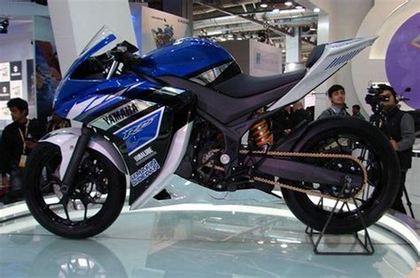 Yamaha R25 Picture by Yamaha R25 Yamaha R25 Price R25 Reviews In