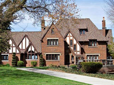 26 Popular Architectural Home Styles  Home Exterior