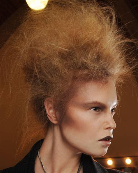 verrueckte frisuren