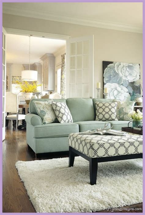 how to decorate a small livingroom ideas on how to decorate a small living room