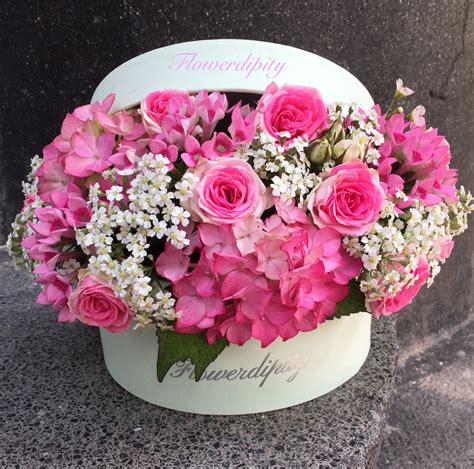 Flower Box flowers in a box pink roses flowers box flowerdipity