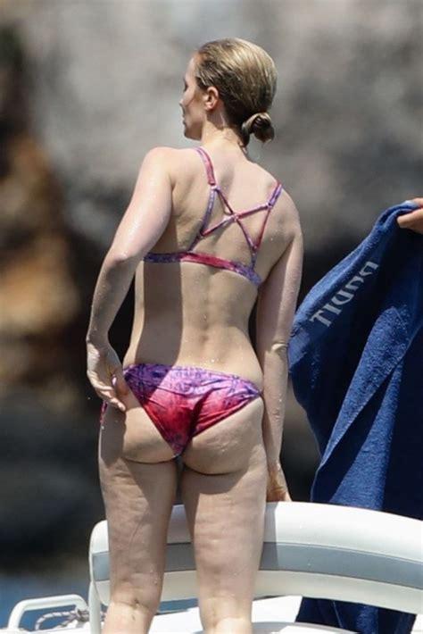 emily rose bikini emily blunt sexy 16 photos celebrity leaks