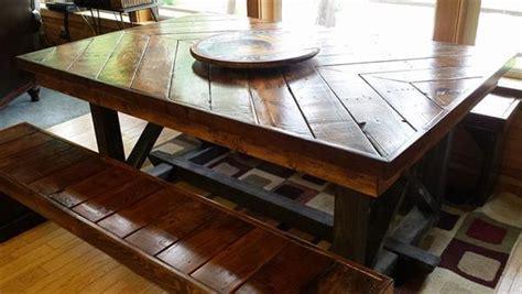 pallet kitchen table diy pallet chevron kitchen table 101 pallets