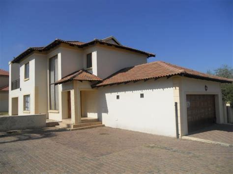 3 bedroom house for sale in standard bank repossessed 3 bedroom house for sale on