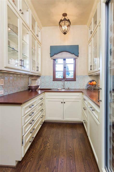 spanish revival home la canada ca butlers pantry  pasadena showcase house  design