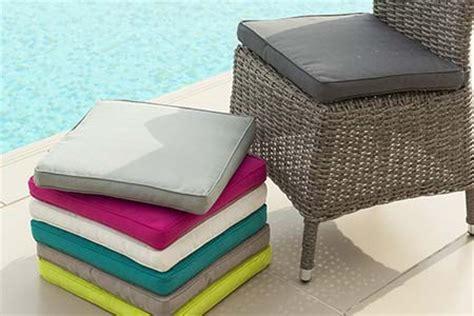 coussin pour chaise salon de jardin galette de chaise de jardin 40 x 40 cm framboise jardideco