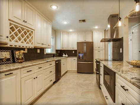 wholesale kitchen cabinets island charleston antique white kitchen cabinets