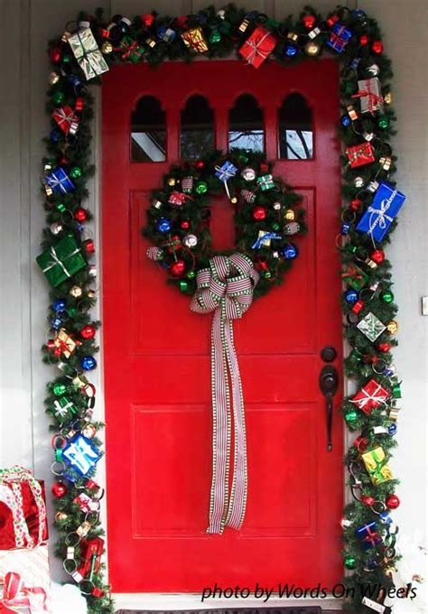 Choose a Christmas Door Decoration for Holiday Pizzazz