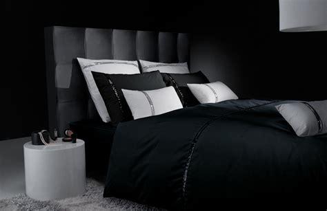 parquet pour chambre à coucher une touche de noir pour un intérieur chic actualités seloger