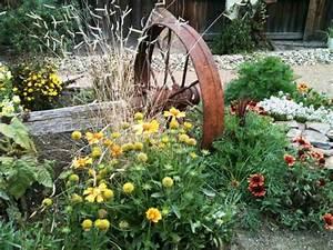 Country Garden Design : country landscaping ideas hgtv ~ Sanjose-hotels-ca.com Haus und Dekorationen