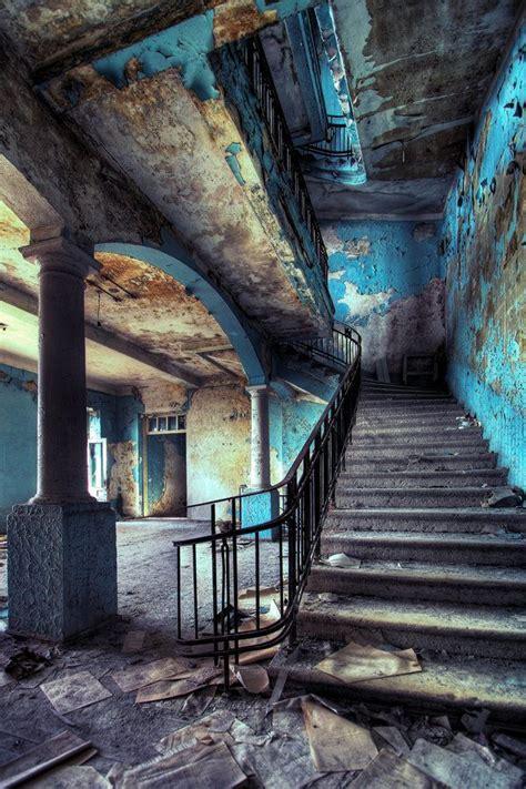 fascinating abandoned buildings