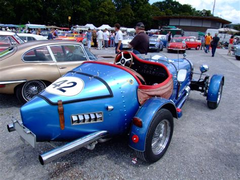 Bugatti Kit Car by Looks Like A Late R4 Gtl One To Me But With Parking