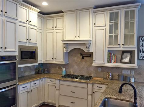 Kitchen Cabinets Highlighted in Van Dyke Brown Glaze