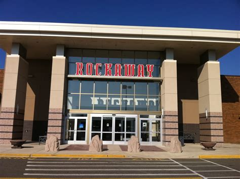 Panoramio - Photo of Rockaway Mall.