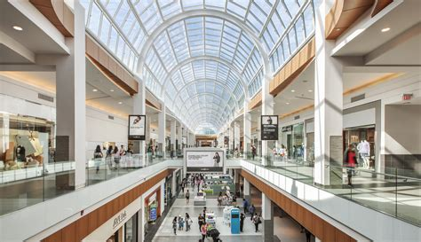 simon property group fights  reinvent  shopping mall