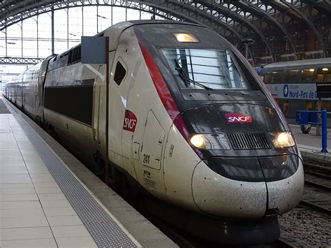 These will use the high speed tracks and thus have the same journey times as regular tgvs, but with lower fares. TGV Duplex — Wikipédia