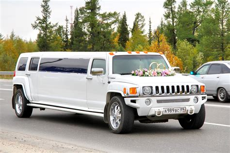 Stretch Hummer Limousine by Hummer H3 Limo Service
