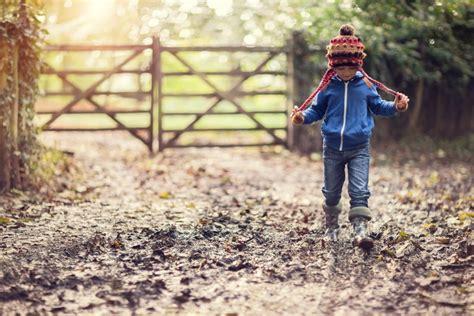 splashing  mud puddles  beneficial  children