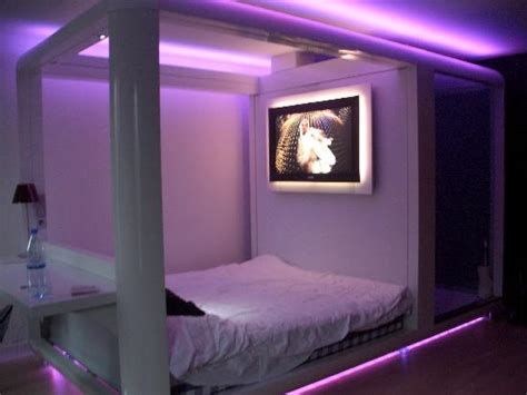 home arcitect modern purple bedroom ideas
